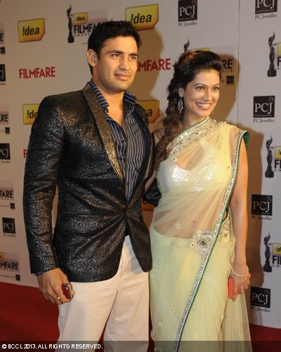 Payal Rohatgi with boyfriend Sangram Singh graced the red carpet during the 58th Idea Filmfare Awards, held in Mumbai.Click here for:<br />  58th Idea Filmfare Awards<br /> <br />  <br />