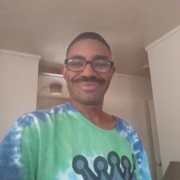 user Kenneth Folston apkdeer profile image