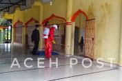 Mahasiswa STIAPEN Nagan Raya Bersama PMI Lakukan Penyemprotan Disinfektan Di Masjid Nurul Ikhlas