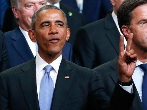 obama-peace-sign