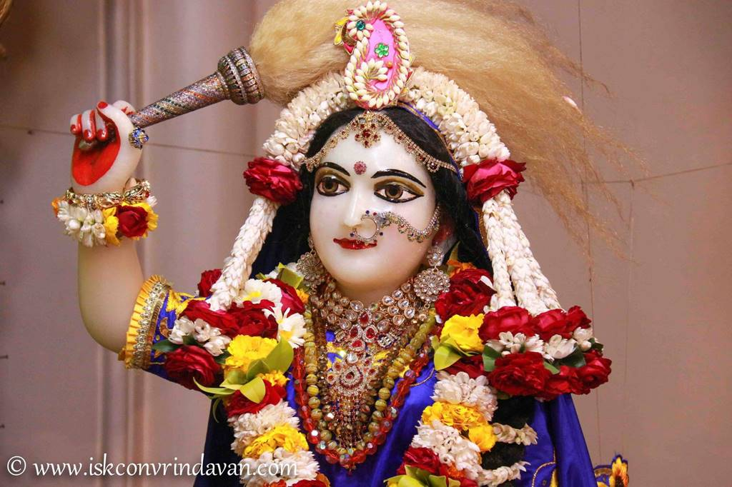 ISKCON Vrindavan Sringar Deity Darshan 01 Mar 2016 (10)