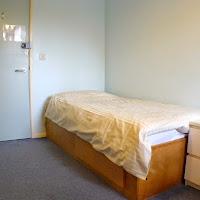 Room G1-bed