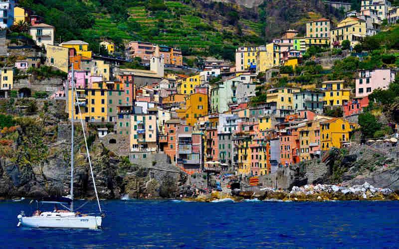 Riomaggiore-Cinque-Terre-Italia