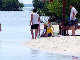 family trip pulau pari 140716 Fuji 183