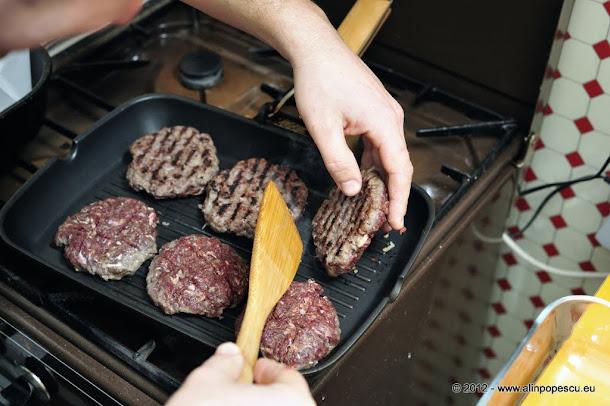 Razvan Anton - hamburgeri carne de vita
