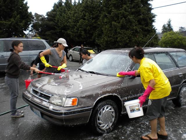 Tibetan Sunday School: Car Wash Fundraiser - Car%2BWash%2B-%2BJune%2B2010%2B010.jpg