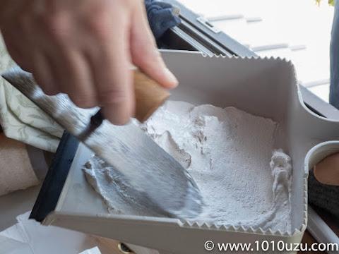 コテ板の代わりにちりとりを使用