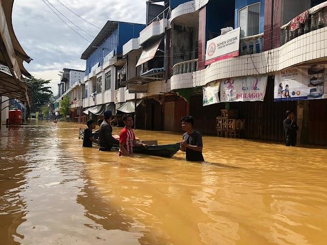 Banjir.....! Warga Kekurangan Sembako