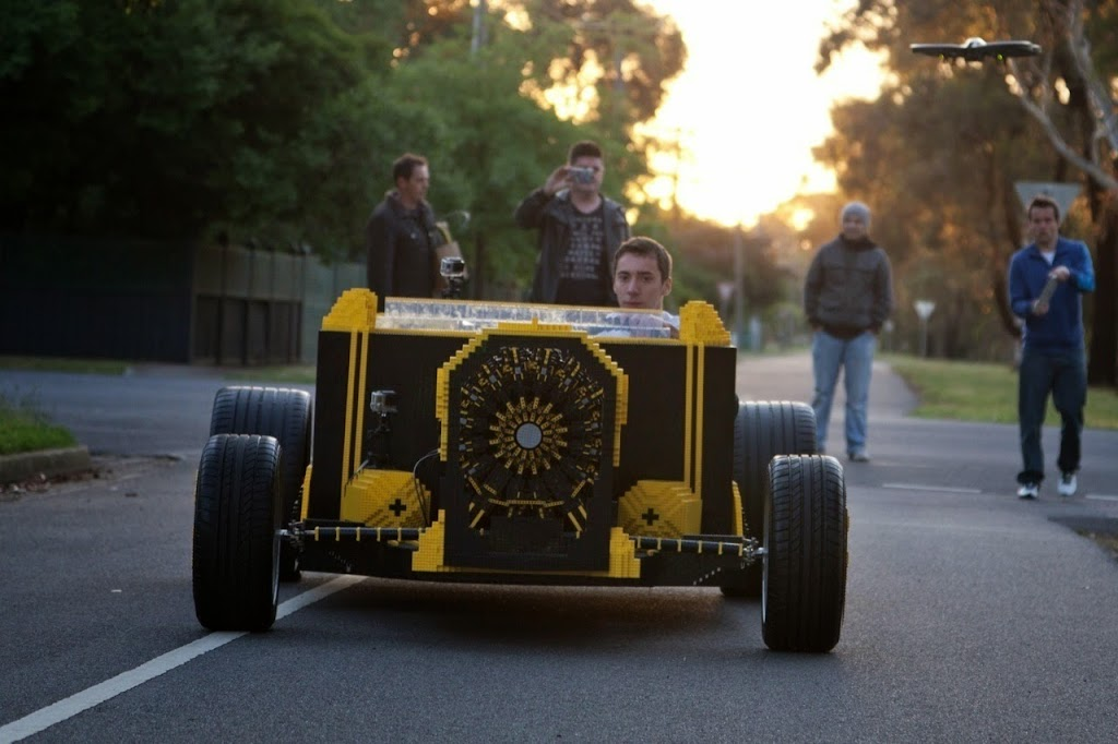 Super Awesome Micro Project Lego Car 08