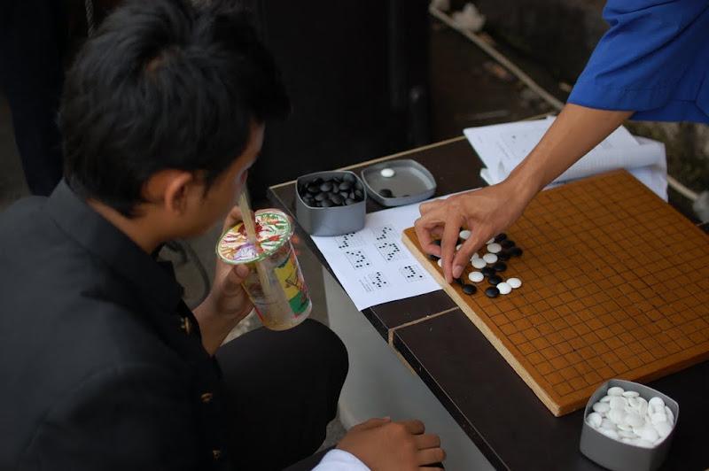 Permainan Igo di Ennichisai Blok M