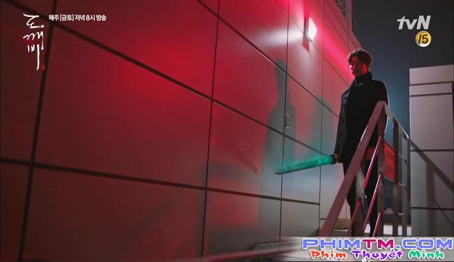 """""""Goblin"""": Xuất hiện thây ma đội mồ sống dậy, đe dọa cô dâu của Gong Yoo - Ảnh 12."""
