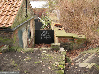 Bits of wall and steps and that shed again, in this Museum Gardens corner, Jan 2011