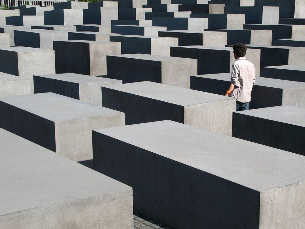 memorial-murdered-jews-europe-berlin-6