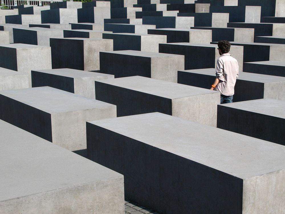 memorial-murdered-jews-europe-berlin-6