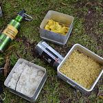 pierwszy lunch - ryż, super-ostre omlety i IndoMie (zupki instant)