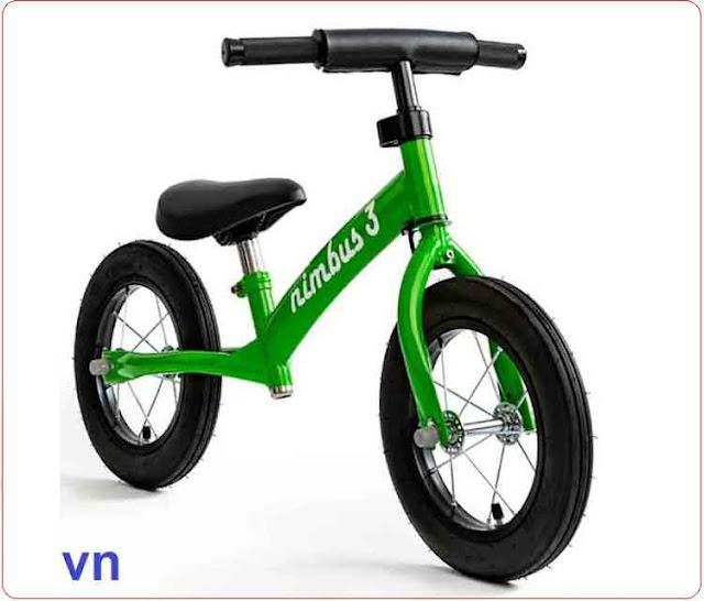 Xe cân bằng trẻ em Nimbus màu xanh lá