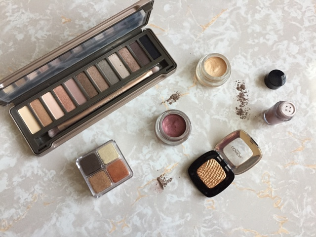 beauty, makeup, urban decay, naked 2, maybelline, loreal, bodyshop, revolution, cream eyeshadow, shimmer bricks, pigments, glitter, party, eye looks,