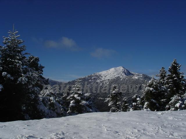 Στα λευκά η Ορεινή Ναυπακτία.Σπάνιας ομορφιάς εικόνες από την Άνω Χώρα.!!!!