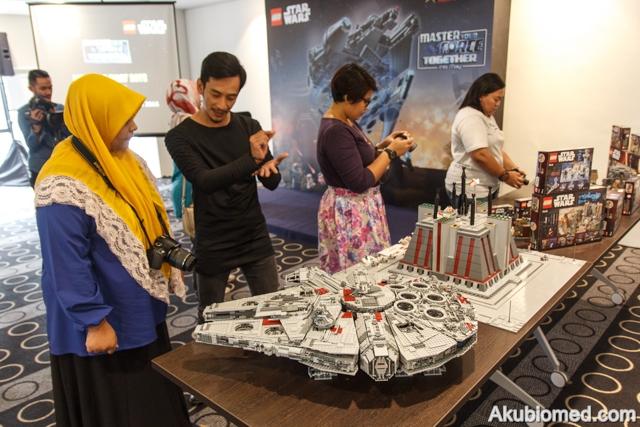 Rakan blogger di sidang akhbar LEGO Star Wars Day