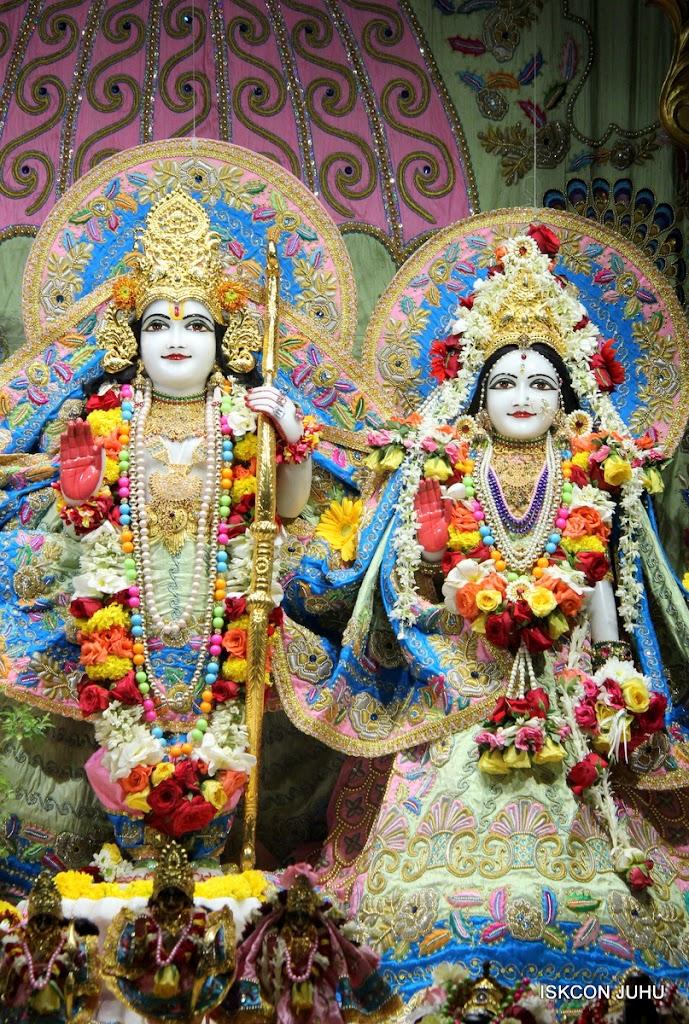 ISKCON Juhu Sringar Deity Darshan 10 Apr 16 (27)