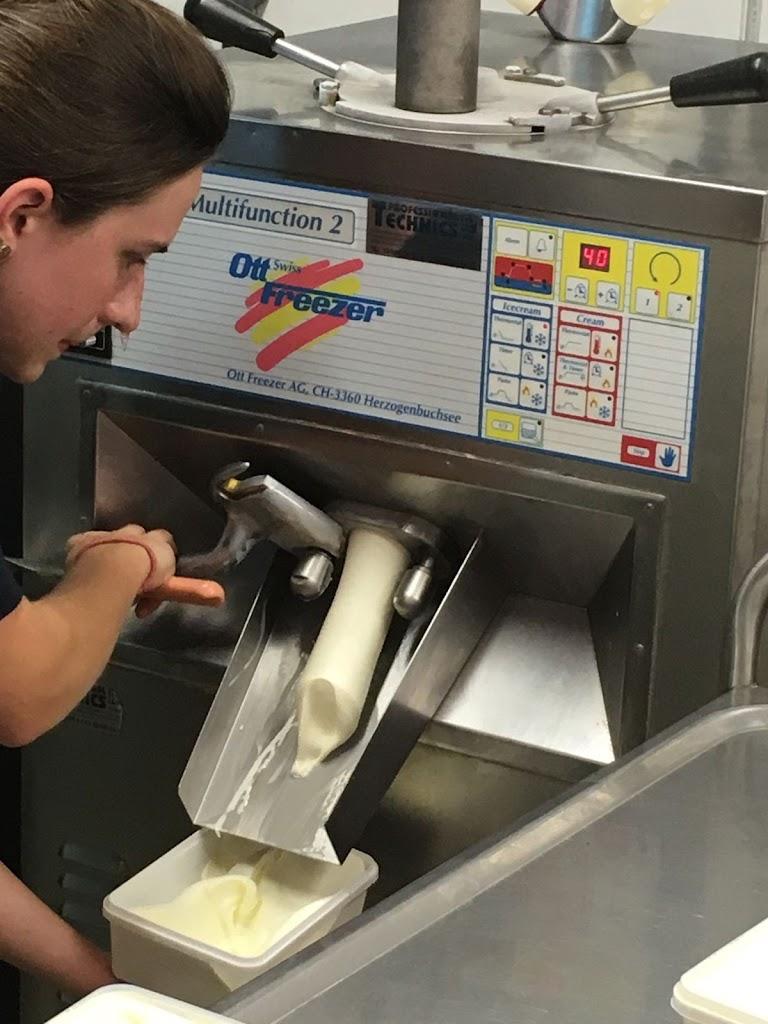 De Knetters gaan leren hoe je ijsjes maakt. - IMG_4675.JPG
