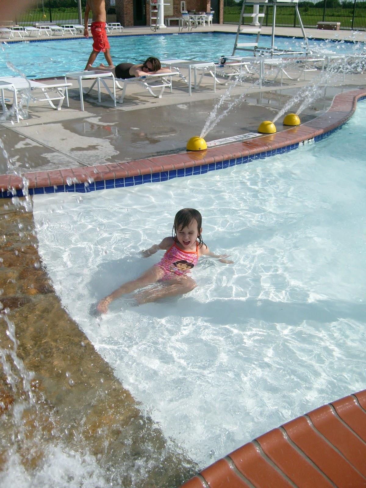 Poolside - S7300049.JPG