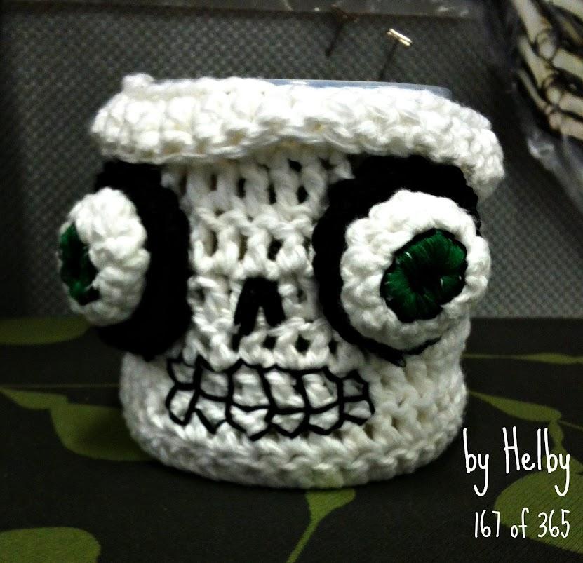 Skull mug cozy