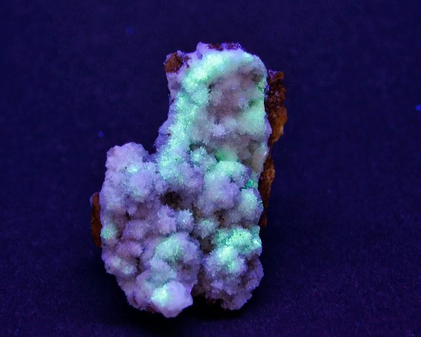 Colección de Minerales Fluorescentes - Página 3 Estroncianita%252CUVl