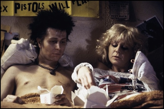 Gary Oldman and Chloe Webb in Sid & Nancy