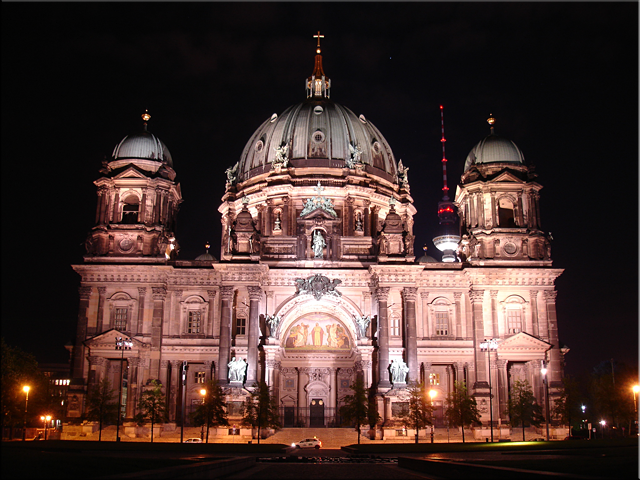 Vista nocturna de la Berliner Dom - Berlín'10