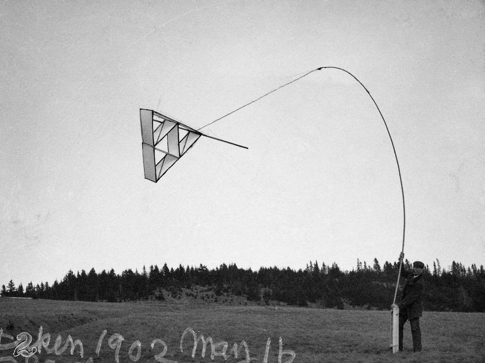 graham-bell-tetrahedral-kites-6