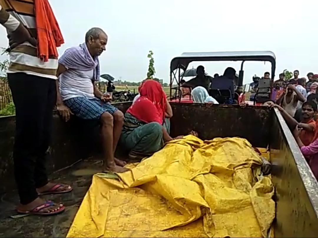 सासाराम--वज्रपात से दो सगे भाइयों की मौत। बारिश से बचने के लिए एक पेड़ के नीचे छिपे थे दोनो।