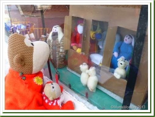 Knitted Nativity Motorworld Bilbrook christmas window _thumb[6] (1)