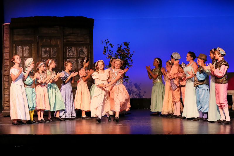 2014Snow White - 113-2014%2BShowstoppers%2BSnow%2BWhite-6514.jpg