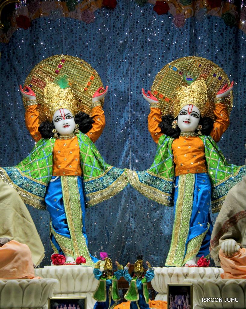 ISKCON Juhu Mangal Deity Darshan on 20th Jan 2017 (31)
