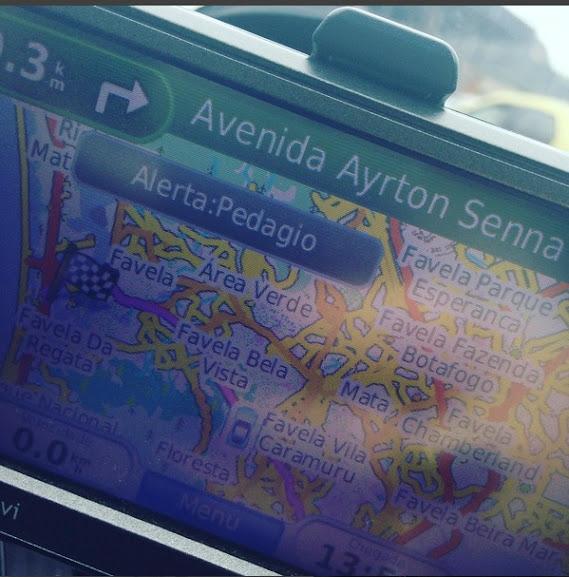 Dirigindo com GPS / Waze no Rio