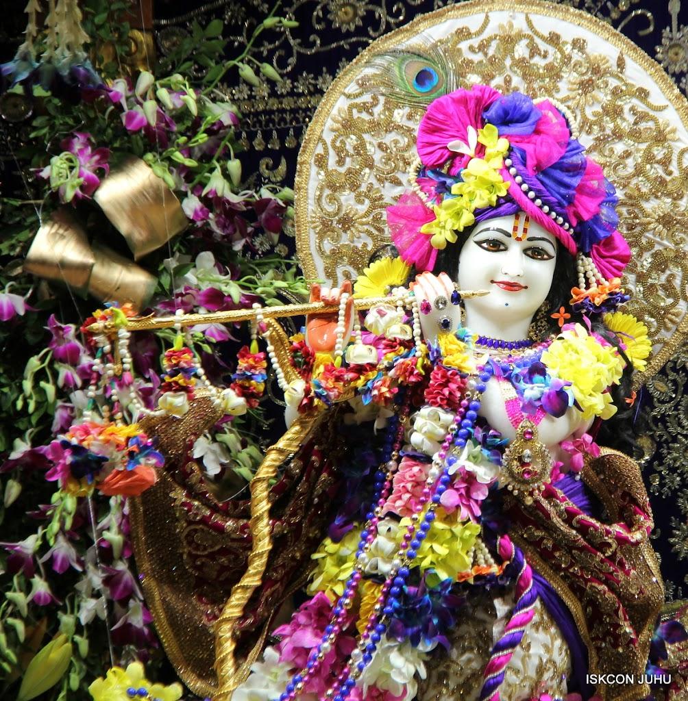 ISKCON Juhu Sringar Deity Darshan on 25th August 2016 (71)