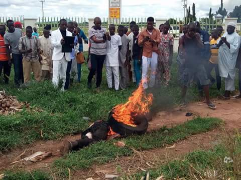 Suspected Motorcycle Thief Nabbed In Dabi Village, Burnt Alive By Angry Mob (Graphic Photo)