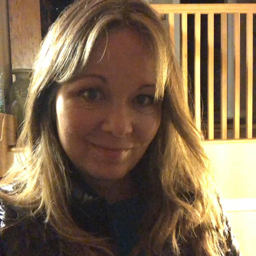 Deana Adams Photo 16