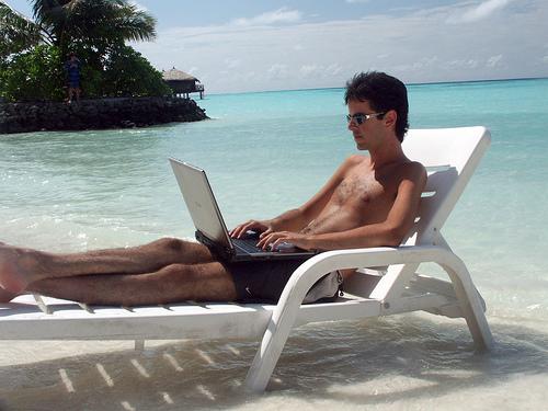 Seguridad informática al viajar en vacaciones