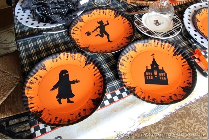 Halloween Plates by Glitterville