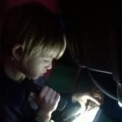 voorlezen in het donker