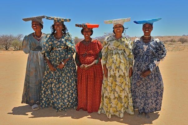 CUSTOMARY DRESS FOR WOMEN AROUND THE GLOBE 2