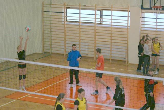 Zawody siatkarskie dziewczat 1 marca 2011 - DSC09269_1.JPG