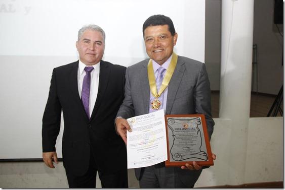 2018-24abr-mandatario-de-tunja-recibio-el-titulo-honorifico-de-alcalde-solidario-e-incluyente-de-la-region-andina-de-colombia-2018