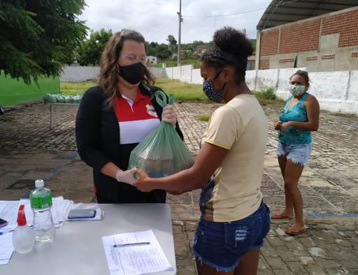 Prefeitura de Santa Luzia (PB) realiza distribuição de kits nutricionais para 1.500 famílias de alunos da rede municipal de ensino