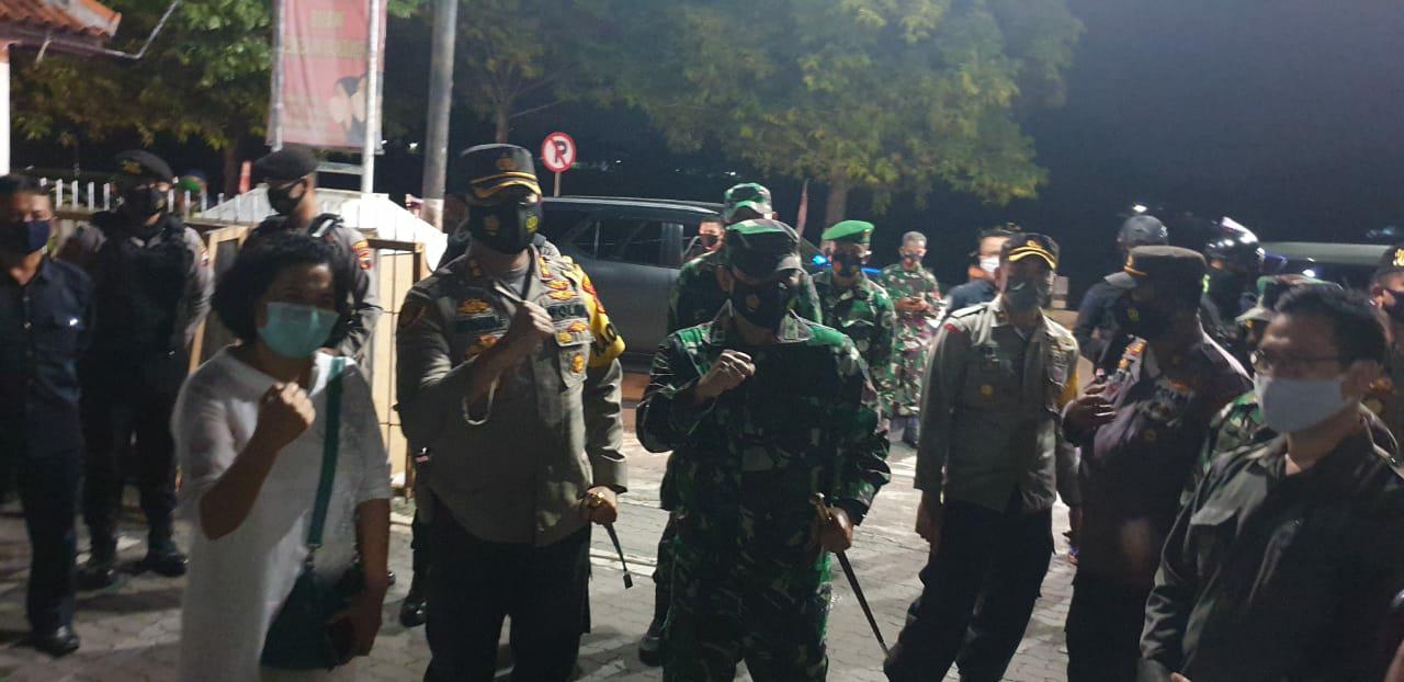 Jaga Kondusifitas Hari Raya Natal Dan Tahun Baru TNI- Polri Gelar Patroli Malam