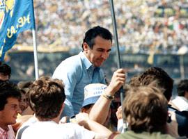 #HellasNews Enrico Ruggeri racconta con Pierino FANNA il VERONA tricolore di mister BAGNOLI! La nuova Serie B: Con le neopromosse BENEVENTO, CITTADELLA, PISA e SPAL ecco le 22 squadre cadette...
