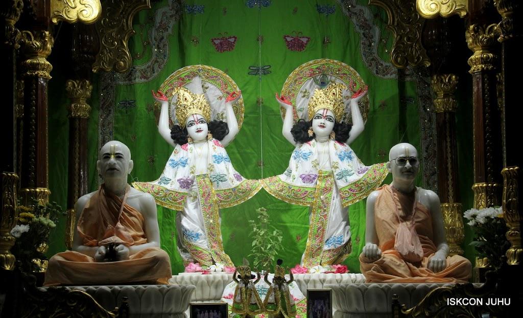 ISKCON Juhu Mangal Deity Darshan on 01st May 2016 (25)