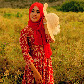 Beautiful & Afternoon by Ahmad Bayyudh Attamimi - People Portraits of Women ( red, afternoon, beautiful, gardens, shine, hijab, hat )